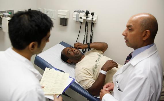 Viêm bao quy đầu cấp tính: Triệu chứng và cách chữa